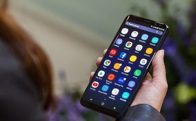how to stop apps from automatically downloading on android